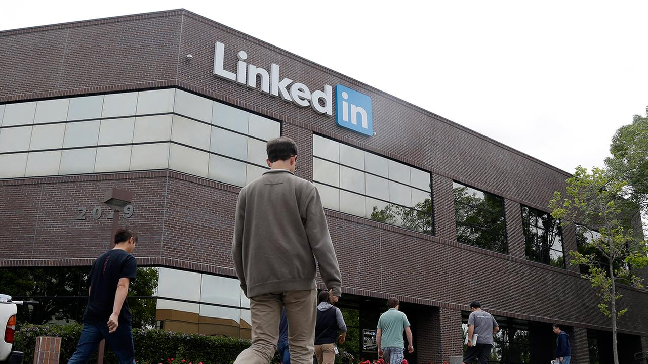 15 LinkedIn Facts You Should Know